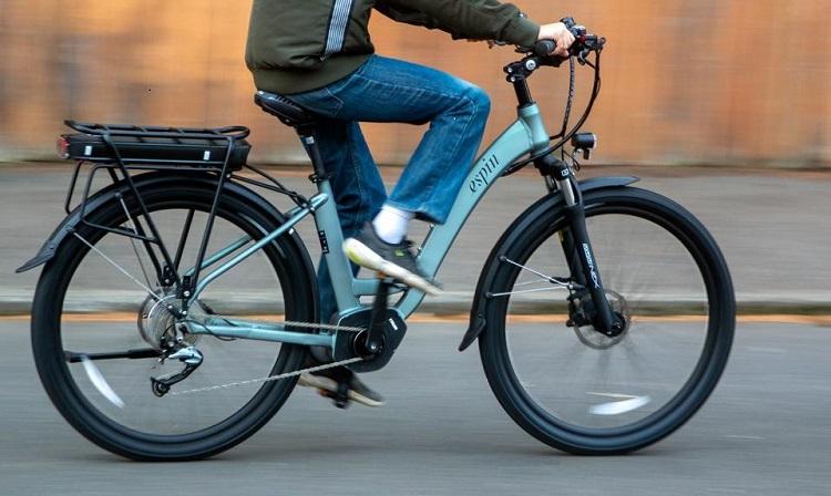Ny frifindelse i en højresvingssag, hvor elcykel med høj fart var indblandet